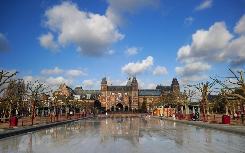 Pase de uno o dos días de Canal bus y entrada preferente al Rijksmuseum